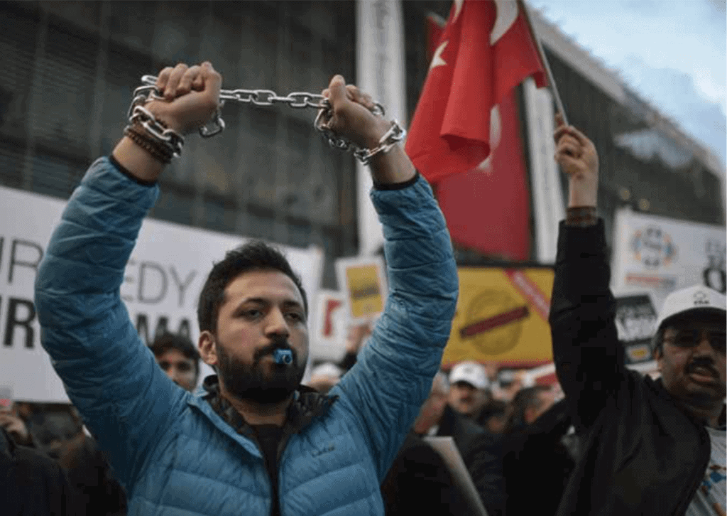 Turkey's Media Revival - Even in hostile conditions ethics and solidarity can work